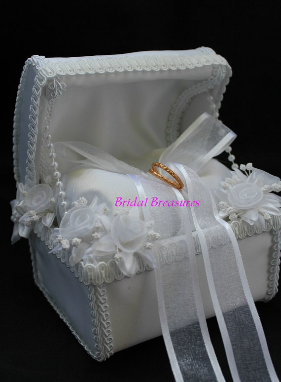 White Satin Ring Bearer Chest with White Flowers and a Modern Classic Trim