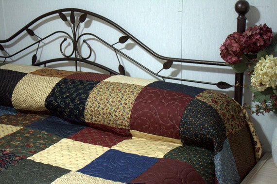 "King Bed Quilt PERENNIAL  105"" x 115"""