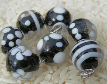 Black Lampwork Beads - Glass Beads - SRA - Black Glass Beads - Howfunisthat -  Free Shipping to US and Canada