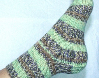 Women's 7-9 Ankle Socks Hand-knit by Janie Bull, Mint