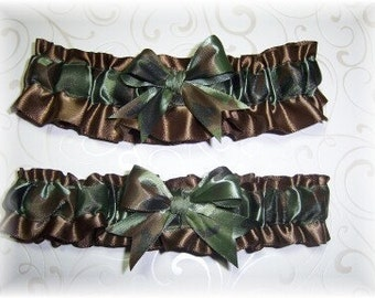 Camouflage Wedding Garter Set on Brown BB