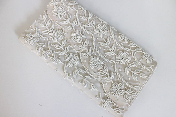 1950s white snow seed bead clutch bag / vines & flowers / wedding