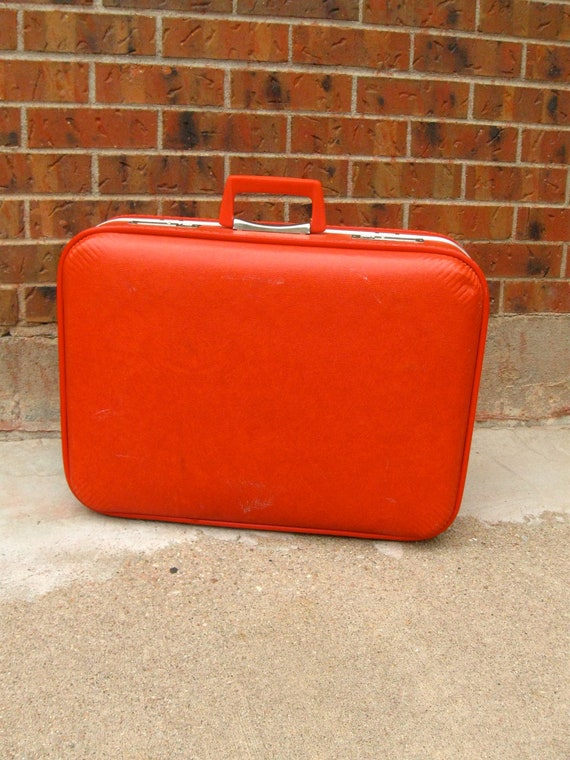 Vintage cherry red suitcase, Towncraft luggage, key included, 1960s