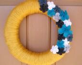 Yarn Wreath Yellow and Teal