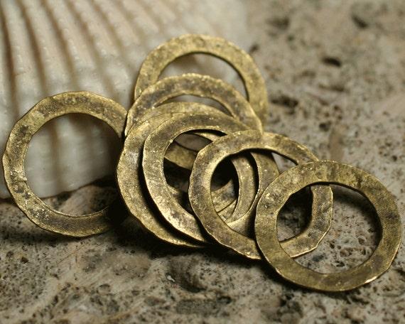 Hand hammered antique brass organic ring aprox 14mm in diameter, 10 pcs (item ID YWABXW0203K)