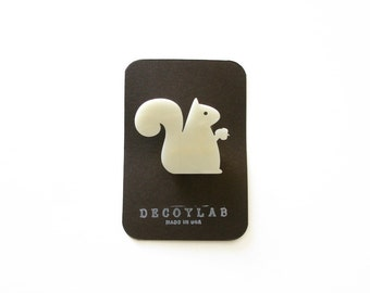 Squirrel pin Animal brooch - acrylic Ivory