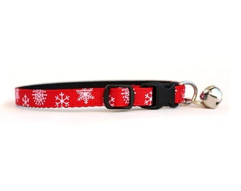 3/8 Wide Collar for Cat or Tiny Puppy in Snowflakes
