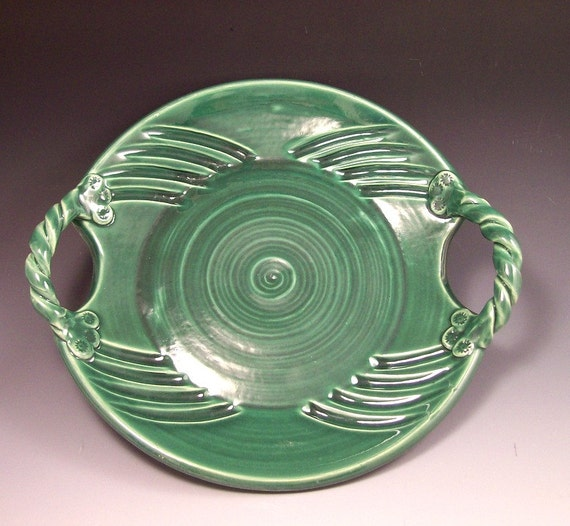 Pottery Cheese and Cracker Platter in Glossy Ivy Green