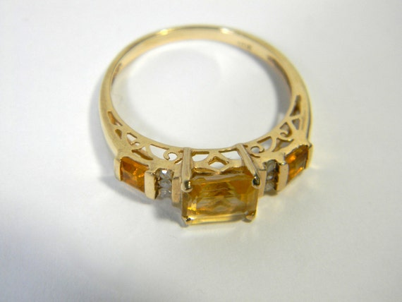Vintage 10K gold ring with citrine and diamonds - yellow gold