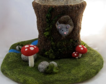 Large Tree Stump Needle Felted Play Mat and Mouse