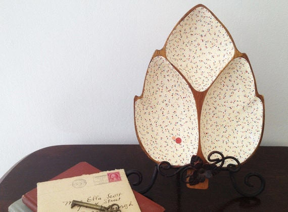 Large Leaf Three Section Dish : Hand-painted Light Background Dots