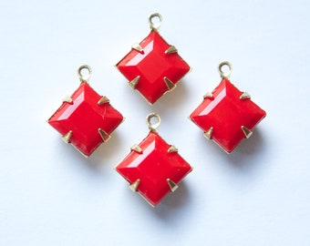 Vintage Red Square Glass Stones in 1 Loop Brass Setting 10mm (4) squ010B