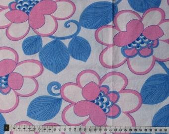 Seventies vintage floral fabric - 1 yard