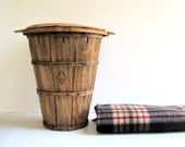 Vintage Bushel Basket with Dome Lid / Farmhouse Storage / Distressed Decor