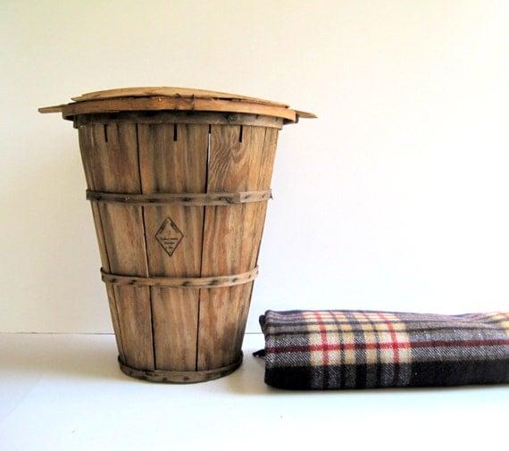 Vintage Bushel Basket with Dome Lid / Farmhouse Storage / Distressed Decor