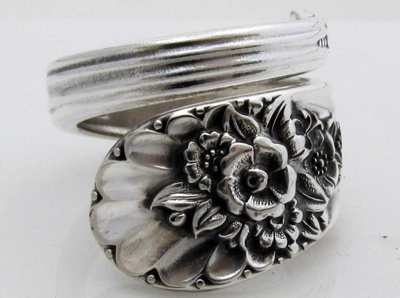 Wrapped Spoon Ring Size 9 Jubilee 1953