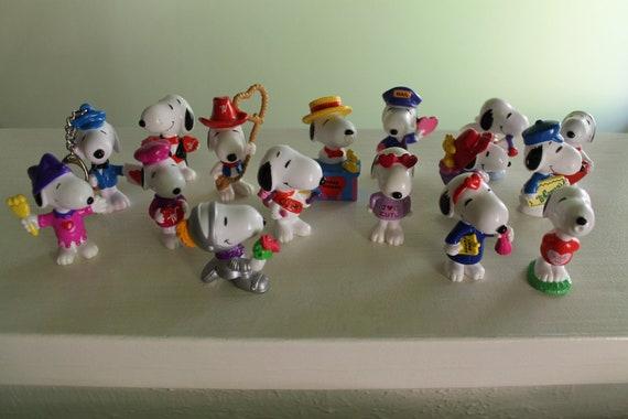 Peanuts Snoopy Valentines PVC Figures