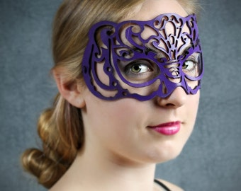 Victoriana Leather Mask in Purple