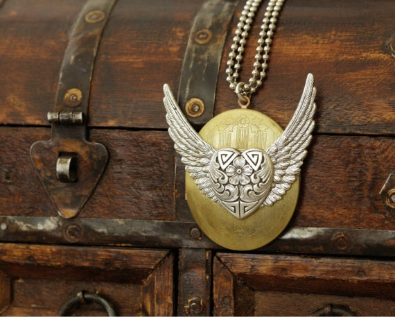 Wings Locket, Heart Necklace, Valentine's Day, Vintage Locket, Silver Wing, Silver Heart,  Photo Locket, Heavenly, Celestial, Days Long Gone