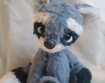 E pattern 4.5 inch raccoon Willem
