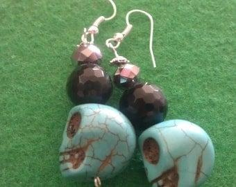 Skull, skull earrings, day of the dead, dia de los muertos, black bead, stocking stuffer, ready to ship, sale, Halloween, frida, green skul
