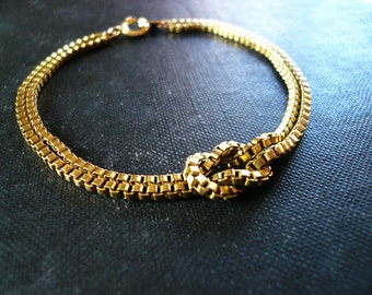 Gold Knot Bracelet in Vintage Brass Chain - Simple Nautical Gold Chain Bracelet