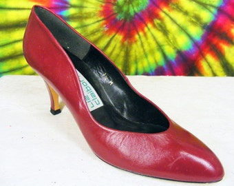 7.5 M vintage 80's dark red leather Liz Claiborne pumps shoes