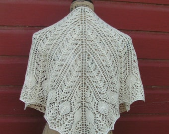 lace shawlette handknit knit natural color cashmere merino CASBAH luxury neck casablanca cream