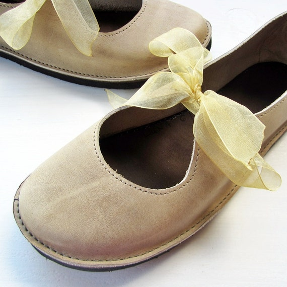 Size UK 5, LUNA Handmade shoes, Pebble leather 2206 by Fairysteps