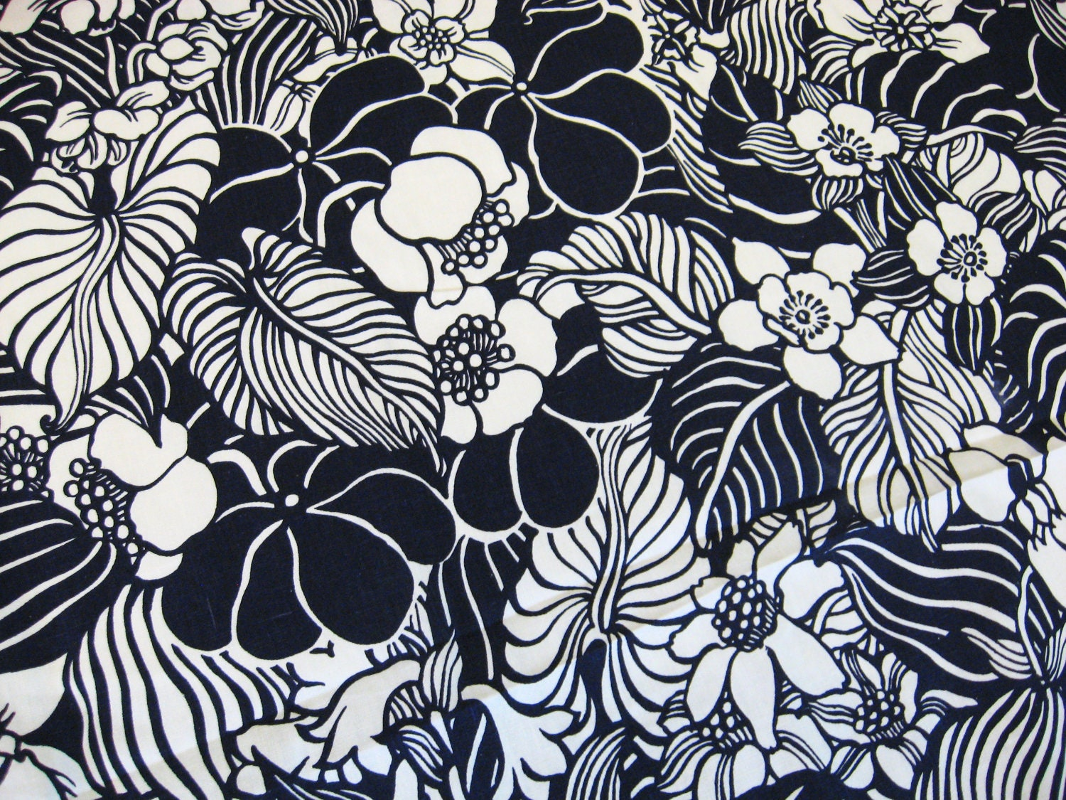 Vintage 60s NAVY HAWAIIAN FLORAL Fabric Material by ...