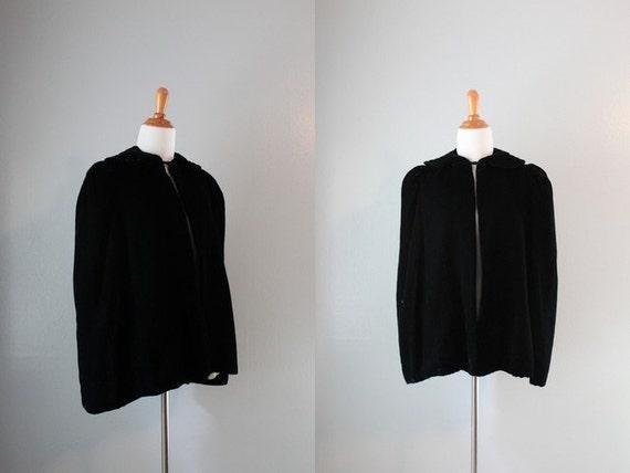 Vintage 1930s Cape / 30s Black Velvet Cape / Noir Formal Jacket