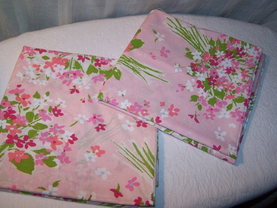 Vintage PillowCases Pink Flower Bouquets King Size Set of 2 Pillow Case