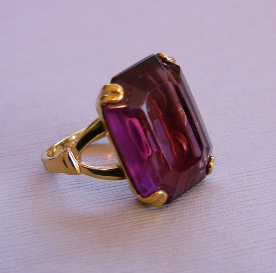 Vintage Purple Amethyst Colored Stone Ring Size 6