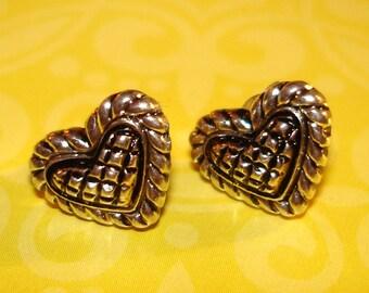 adorable vintage silver pierced puffy heart earrings