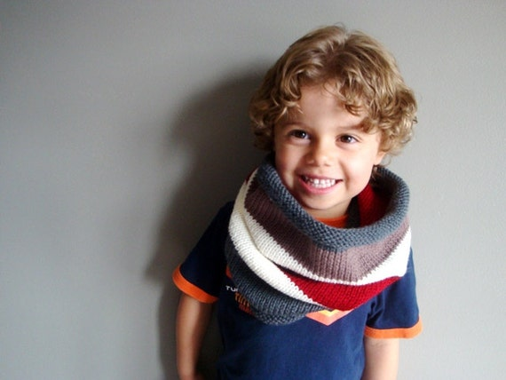 kids knit cowl in GREY and CRANBERRY (vegan friendly, ooak)