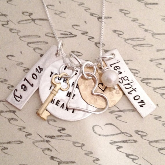 Mothers Necklace - I Carry Your Heart Charm Necklace - family necklace - hand stamped jewelry - mommy jewelry