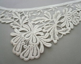 Vintage White Lace and Sheer Dress Collar   L803