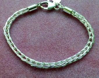 Handmade Fine Silver Loop-in-Loop Bracelet 8 1/2 inches in Length