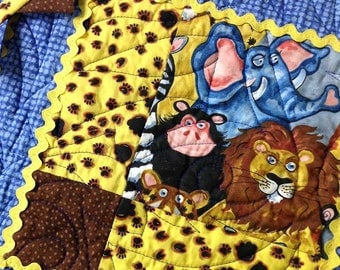 Quilt Blanket Nursery Patchwork Zoo Animals and Prairie Points Free USA Shipping