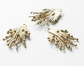 2 pcs of  Non-Tarnishing Bronze Pendant - 26x19mm