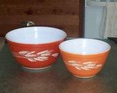 Pyrex Red and Orange Bowl Set