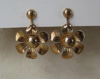 Flower Gold Dangle Earrings Screw Vintage