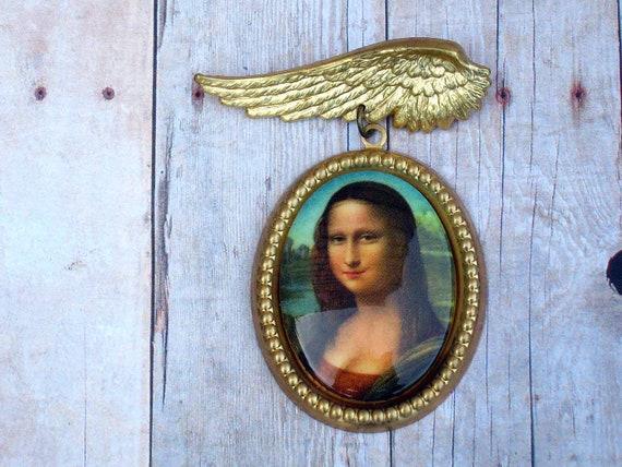 Mona Lisa Winged Cameo Brooch - Gold Brass - Kitschy Fashion - Free Shipping - Under 15 - Stocking Stuffer