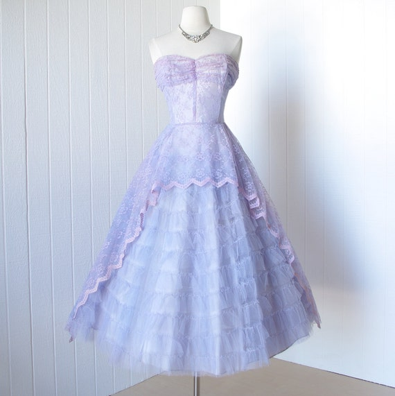 vintage 1950's dress ...lovely in LAVENDER & LILAC lace and tulle full skirt pin-up party prom dream dress