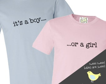 Gender reveal party mom and dad it's a boy... or a girl matching Tshirt set