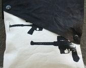 SALE Gun Noir Clutch
