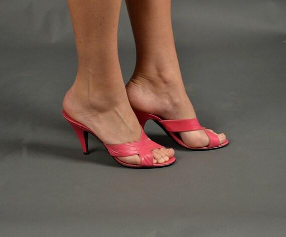 Vintage 1970s Heels, 70s Shoes leather strappy designer Bruno Valenti magenta pink party