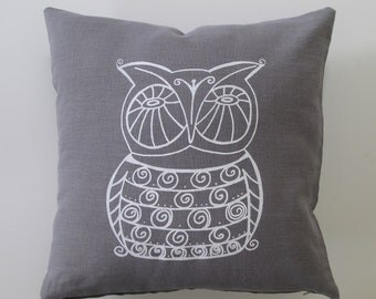 Owl Decorative Pillow Cover - Cushion Cover - 16 x 16 inches - Choose your fabric and ink color - Accent Pillow