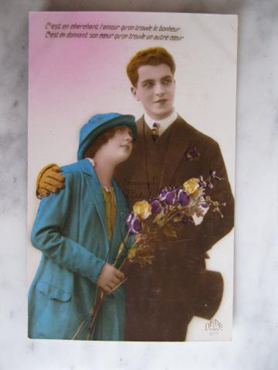 Antique Hand Tinted French Photo Postcard. Couple.Romance. Fashion.Flowers. 1927
