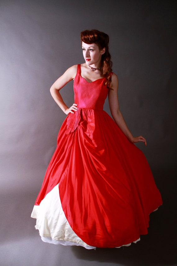 Vintage 1950s dress amazing red and white christmas ballgown as is